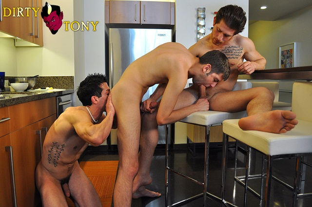 Bradley Rose, Max Morgan and Dominic in flirty threesome fuck at Dirty Tony