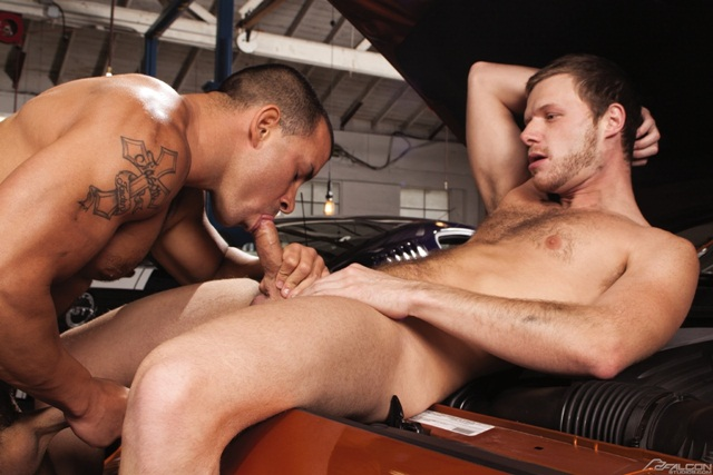 Chris Tyler gets more than his truck serviced by dirty mechanic Brian Bonds at Falcon Studios!