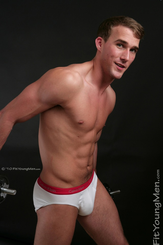 Rich-Wills-Fit-Young-Men-Nude-Sportsmen-Big-Uncut-Cock-Sports-Ripped-Muscle-pup-001-male-tube-red-tube-gallery-photo