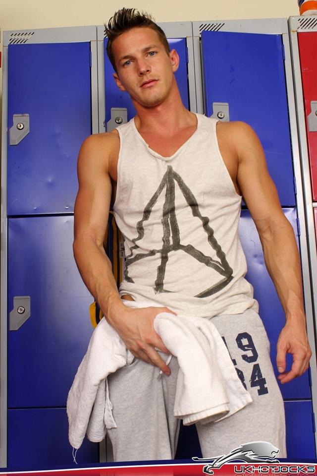 Darius-Ferdynand-UK-Hot-Jocks-nude-muscle-guys-uncut-british-cocks-003-male-tube-red-tube-gallery-photo
