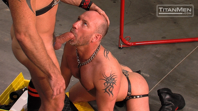 Ethan-Ayers-and-Blake-Oscar-Titan-Men-gay-porn-stars-rough-older-men-anal-sex-muscle-hairy-guys-muscled-hunks-001-male-tube-red-tube-gallery-photo