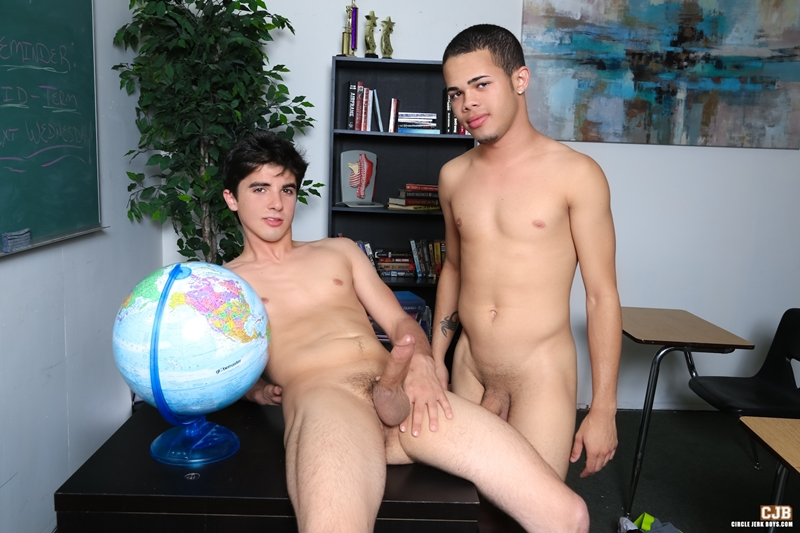 CircleJerkBoys-Jonathan-Cordona-fucks-Mike-Chambers-cocksuckers-blowjobs-sucking-dicks-ass-fucking-butt-rimming-009-tube-download-torrent-gallery-photo