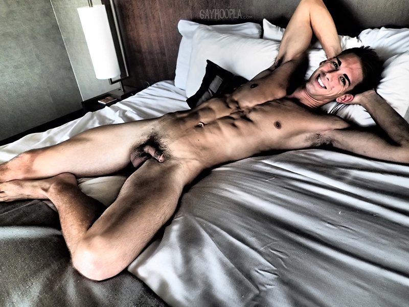 GayHoopla-Austin-Anderson-fit-toned-wash-board-abs-hump-plowing-ass-naked-men-big-cock-jerk-off-005-tube-download-torrent-gallery-sexpics-photo