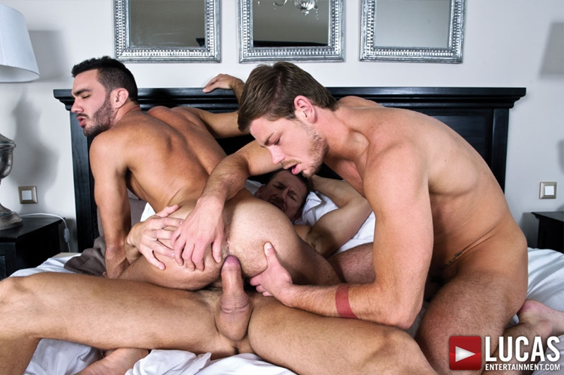 LucasEntertainment-bareback-uncut-cock-Toby-Dutch-Tomas-Brand-fucking-bottom-raw-Alejandro-Alvarez-007-tube-download-torrent-gallery-sexpics-photo