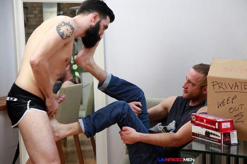 UKNakedMen-foot-fetish-Tom-Long-Johnny-Kingdom-10-inch-uncut-cock-toe-licking-feet-sucking-jock-sniffing-001-tube-download-torrent-gallery-sexpics-photo