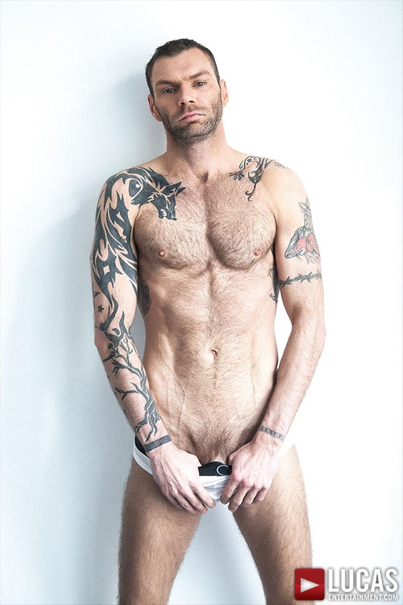 LucasEntertainment-CT-Hunter-submissive-bottom-black-cock-Taye-Knight-bareback-raw-ass-fucking-hot-ebony-guy-002-tube-video-gay-porn-gallery-sexpics-photo
