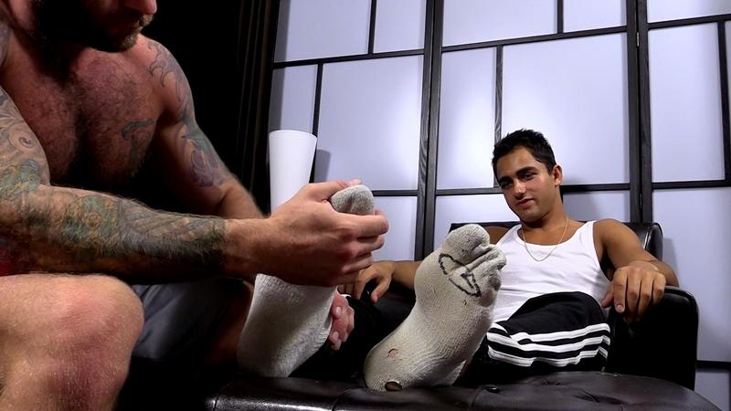 MyFriendsFeet-Drake-Jaden-knees-bare-foot-soles-toes-big-toe-worshiping-size-11-shoes-dark-skinned-hunk-Azif-005-tube-video-gay-porn-gallery-sexpics-photo
