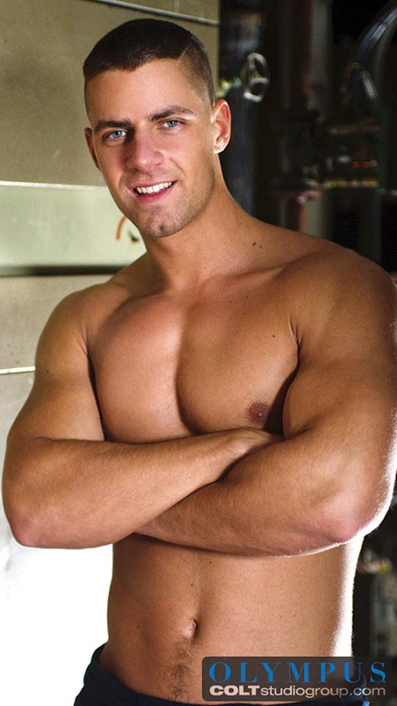 Men shirtless hunk