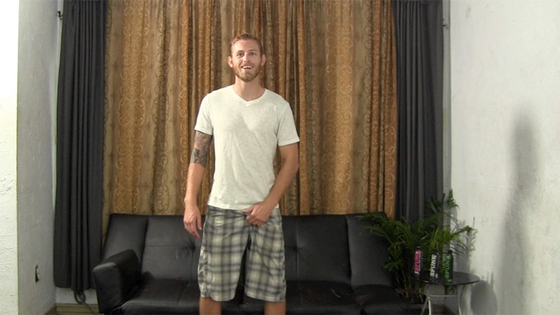Blonde straight bearded hunk jerks his first ever cumshot online