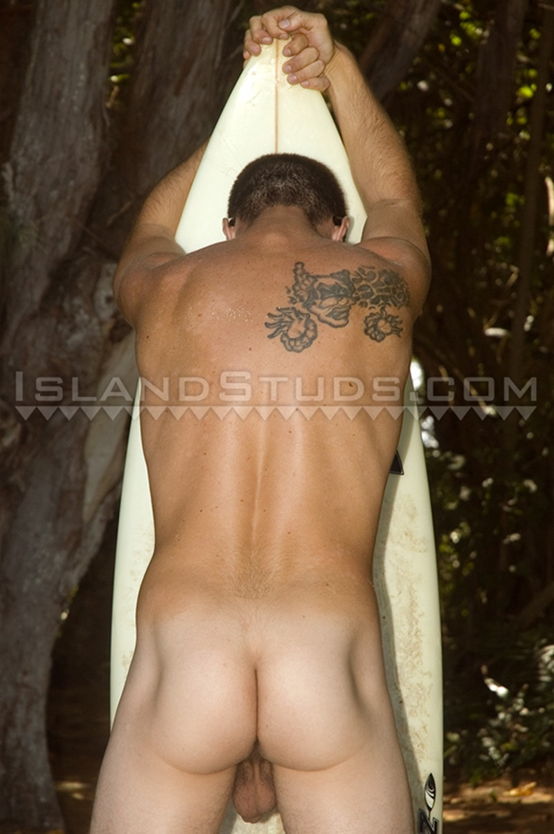 IslandStuds-sexy-boy-Lance-huge-10-inch-cock-Glenn-buddies-strip-naked-bike-ride-Lance-muscle-dude-six-pack-ripped-abs-cocksucker-009-gay-porn-sex-porno-video-pics-gallery-photo
