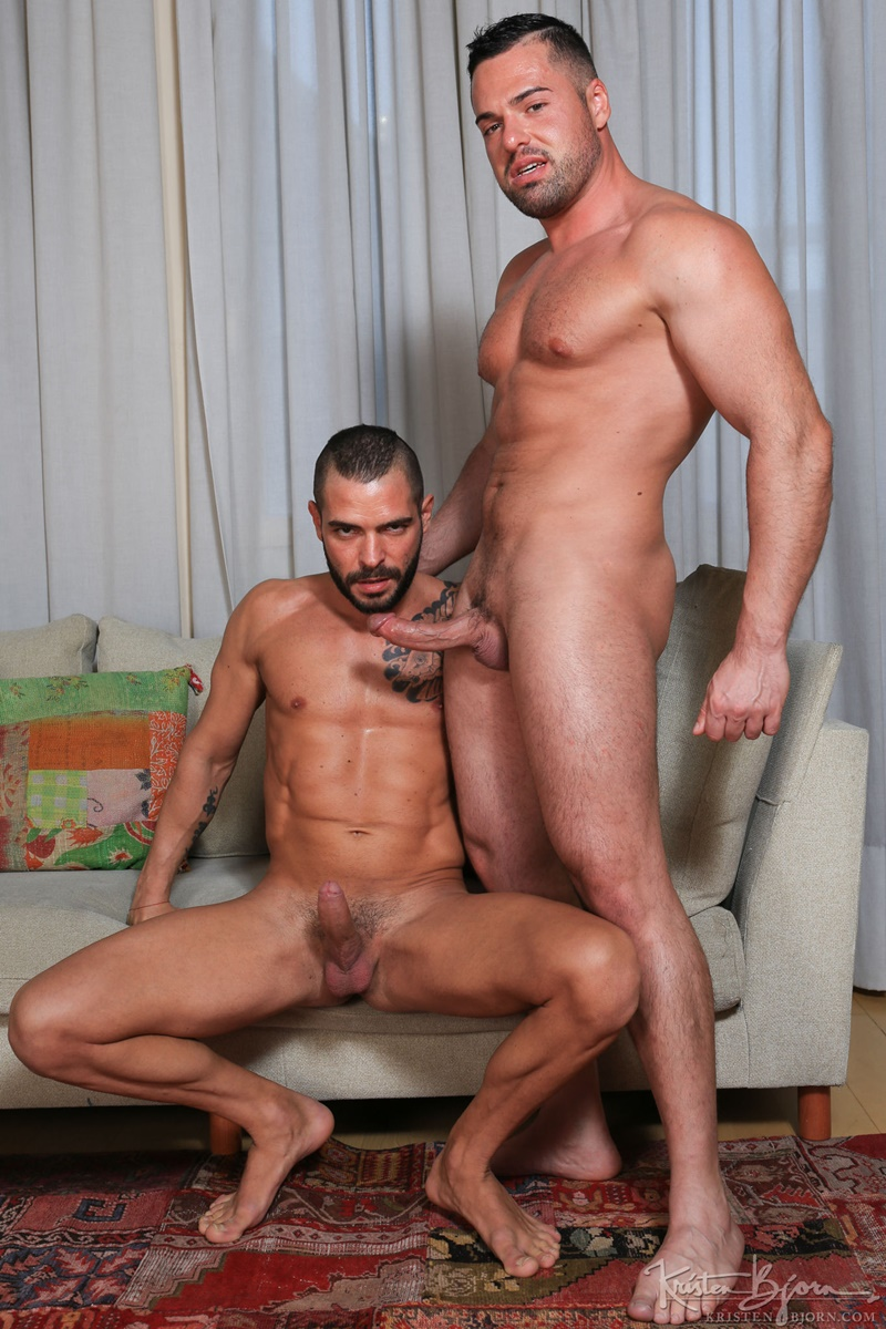 Gabriel Lunna plunges his cock as deep as possible in Cody Banx's bare ass
