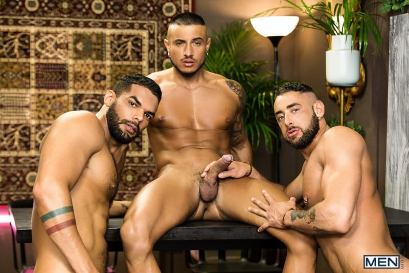 Hot big muscle threesome Massimo Piano, Klein Kerr and Lucas Fox hardcore thick muscled dick fucking