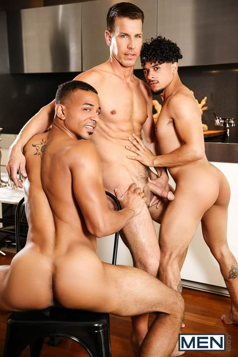 Men for Men Blog Kelly-Evans-Armond-Rizzo-Zario-Travezz-Hardcore-ass-fucking-threesome-big-thick-dicks-Men-005-gay-porn-pictures-gallery Hardcore ass fucking Kelly Evans, Armond Rizzo and Zario Travezz Men