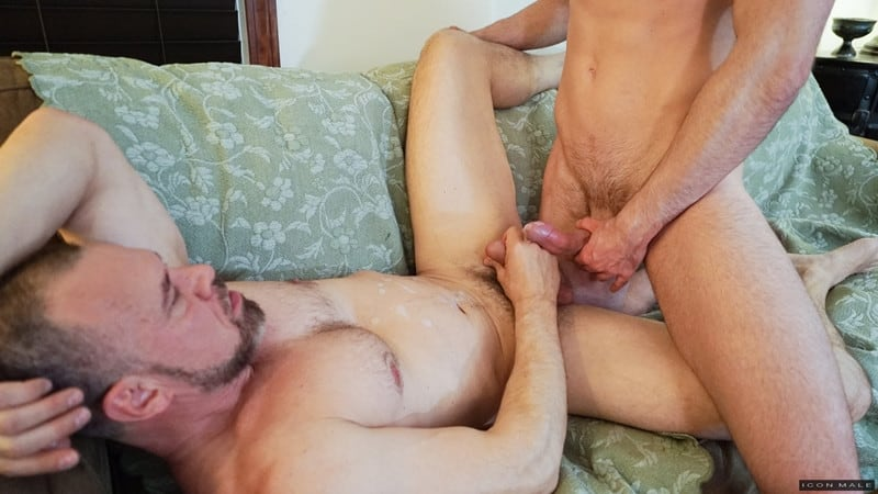Men for Men Blog Mason-Lear-Max-Sargent-Older-mature-hunk-tight-asshole-abused-big-thick-dick-IconMale-015-gay-porn-pictures-gallery Older mature hunk Max Sargent's tight asshole abused by Mason Lear's big thick dick Icon Male