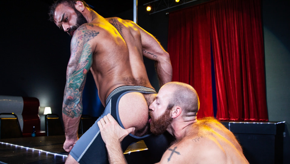Men for Men Blog 70571_03_01 James Stevens loves the way Drake Masters' mouth feels wrapped around his huge throbbing cock Raging Stallion