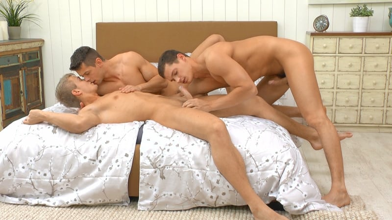 Hot hardcore gay barebacking threesome Jean-Daniel, Tom Pollock and Rhys Jagger orgasmic big dick orgy