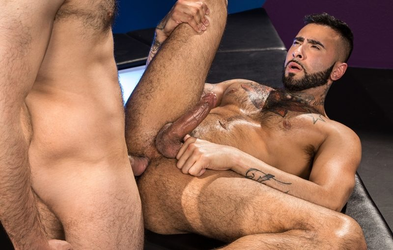 Tattooed muscle hunk Rikk York's hot asshole fucked hard by Hugo Diaz's huge dick