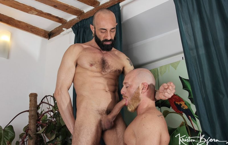 Gianni Maggio's massive cock bareback fucking Jay Moore's hot bubble asshole