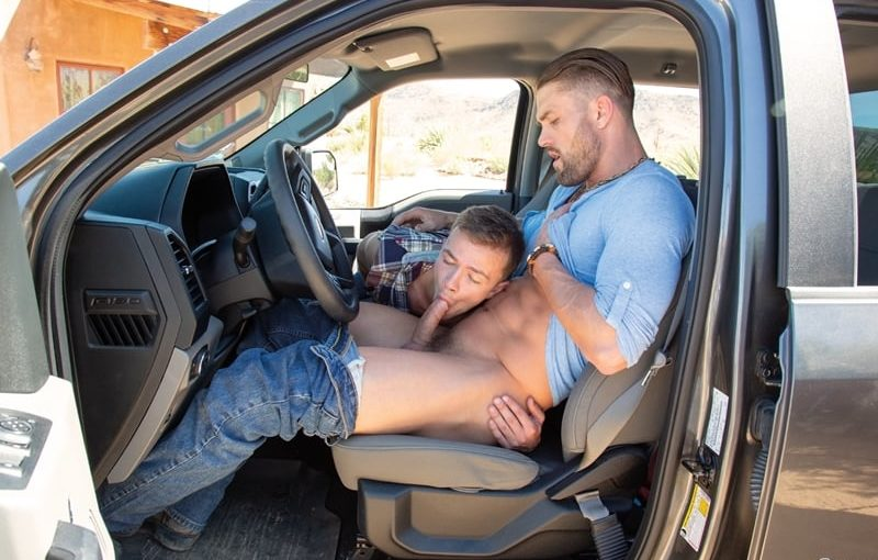 Big muscle stud Ryan Rose fucks young hitchhiker Logan Cross' hot young ass